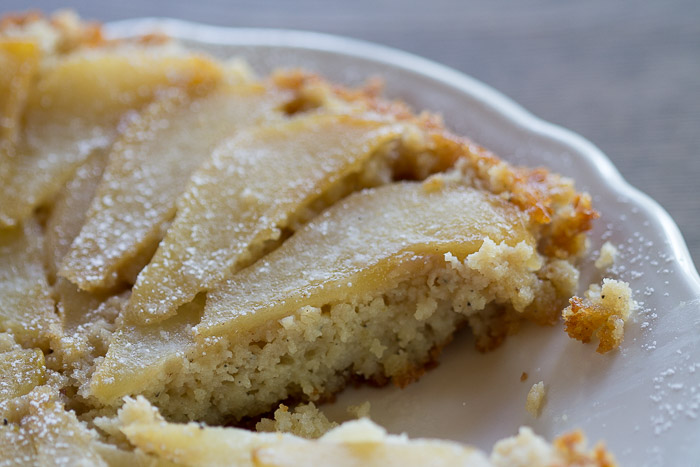 cardamom_pear_cake_sliced